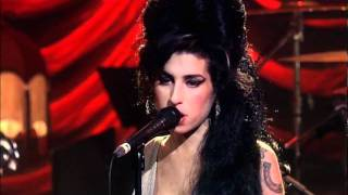 Download Amy Winehouse - You know I'm no good. Live in London 2007 Video