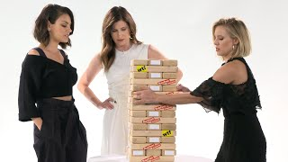 Download Kristen Bell & The Cast Of ″A Bad Moms Christmas″ Play Truth Or Dare Jenga Video
