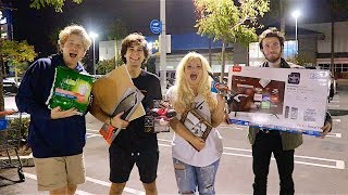 Download SURPRISING FRIENDS WITH WALMART GIFT CHALLENGE!! Video