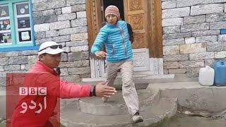 Download Nepal earthquake: Trekkers escape house as quake hits. Video