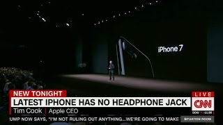 Download iPhone7 debuts, with no headphone jack Video