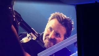 Download Lady Gaga and Bradley Cooper perform Shallow in Las Vegas Video