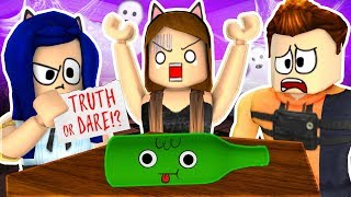 Download TRUTH or DARE?... Roblox Haunted House Story! Video