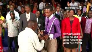 Download Uebert Angel - MIRACLE Revealing Contents of Closed Envelope Video