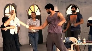 Download Prabhas Baahubali working Stills (Making) - Anushka Shetty, Rana Daggubati Video