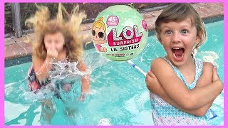 Download Swimming Pool FAIL LOL Dolls Series 2 | Ava Jumps in the pool and gets SOAKED! Video
