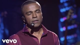 Download Gigantes do Samba - Minha Metade (Take Me Now) (Ao Vivo) Video