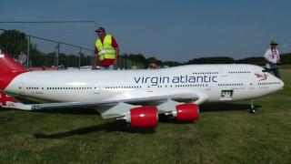 Download 10 años el tiempo de construcción, avión Boeing 747-400 Las aerolíneas vírgen control remoto Video
