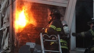 Download Allentown Firefighters Battle House Fire in the Ward - 11.2.16 Video