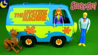 Download Scooby Doo The Mystery Machine Revell Build and Play Snap Tite Model Kit Scooby Daphne & Fred Toys! Video
