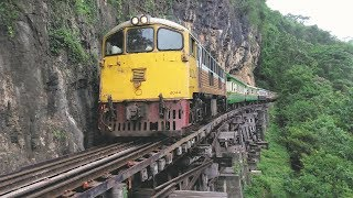Download यहां बादलों में चलती है Train|The Most Dangerous And Extreme Railways In The World|World Fastest Video