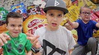 Download 🤔 KIDS TRY ISRAELI FOOD FOR THE FIRST TIME 🇮🇱INTERNATIONAL SNACKS, TREATS AND CANDY 🍫 Video