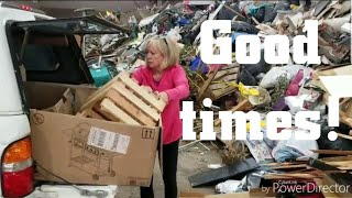 Download A trip to the dump - Full time van life Video