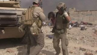 Download Watch aid worker risk his life to save little girl in Mosul Video