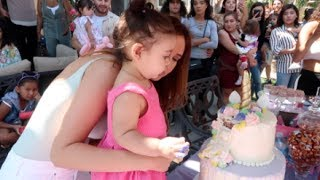 Download ELLE'S 1ST BIRTHDAY PARTY SPECIAL!!! Video