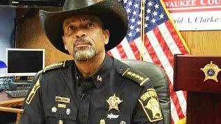 Download Sheriff David Clarke Under Investigation For Dead Prisoner Video
