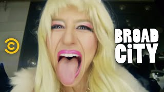 Download Broad City - Eight F**king Thousand Dollars Video