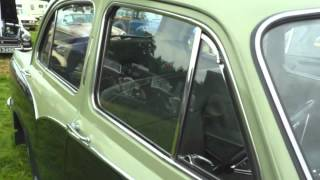 Download 1957 Morris Oxford Up close Video