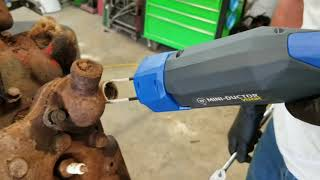 Download A Cool Tool for Removing Rusted bolts and fasteners Video