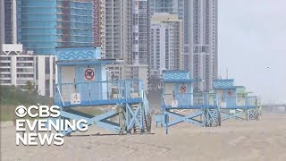 Download Red tide closing Florida beaches Video