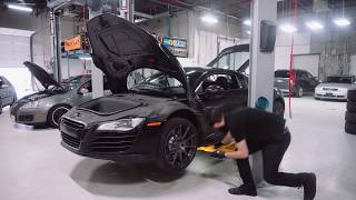 Download Audi R8 Oil Change & Valve Cleaning with MASTER Audi Mechanic! Video