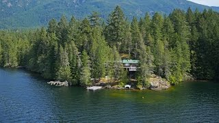 Download Sunny Lakefront Home in British Columbia, Canada Video