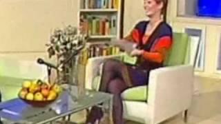 Download Voditeljka i super noge Video