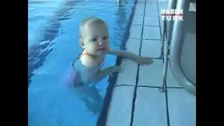 Download Yüzen bebek! Video