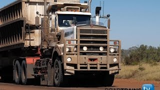 Download Massive 1000 hp Kenworth C510 with 5 trailer road train Video