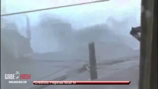 Download TIFON HAIYAN EL MAS FUERTE REGISTRADO EN TOCAR TIERRA 8 DE NOVIEMBRE 2013 (RECOPILACIÓN DE VÍDEOS) Video