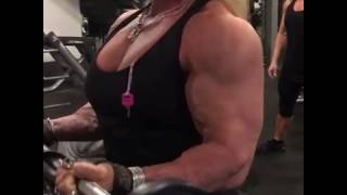 Download FBB Lotte Bendix Massive Arms Workout Video