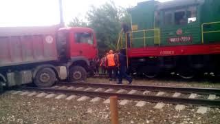 Download Крупная авария 06.06.2018 примерно в 6 00 в Люберцах в районе транспортной улицы Video