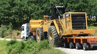 Download Loading And Transporting The Huge Cat 992G Video
