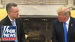 Download Trump meets with Pastor Brunson at White House Video