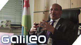 Download Sonderstatus: Wie weit geht diplomatische Immunität? | Galileo | ProSieben Video