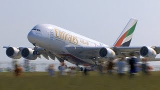 Download Airbus A380 Emirates in Prague. Video