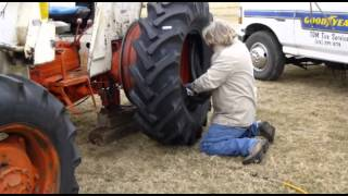 Download CASE / David Brown 1390 Tire Changing Video