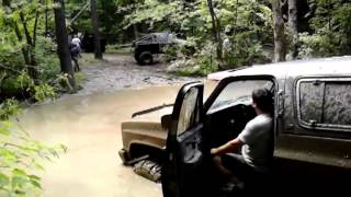 Download Chevy v8 Power Dual Exhaust Mudding Video