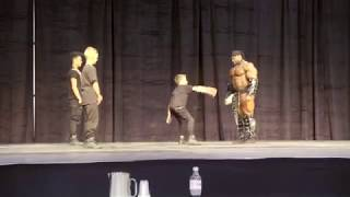 Download BodyBuilder Vs Dance Group Video