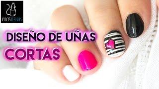 Download Diseño de uñas cortas blanco y negro corazón neón / Short nail design black and white neon heart Video