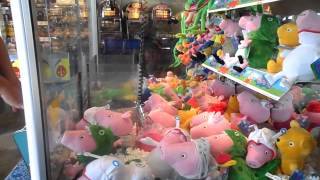 Download HOW TO WIN ON A CLAW MACHINE GRABBER PEPPA PIG Video