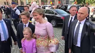 Download Koninklijk gezin van België ontmoet publiek op feestdag Video