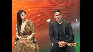 Download Akshay Kumar, Mouni Roy talk about their sizzling chemistry in film Gold Video