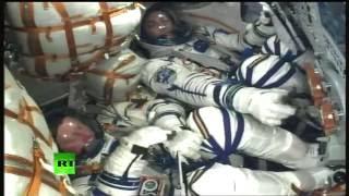 Download La fusée Soyouz quitte Baïkonour pour permettre aux cosmonautes de gagner l'ISS (Direct du 17.11) Video