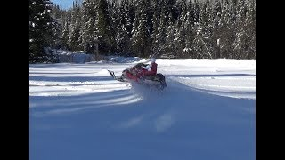 Download Rc snowmobile skidoo new bright BRUSHLESS,jumping,deep snow. Video