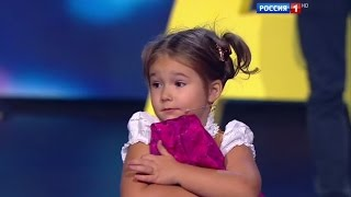 Download Amazing baby! 4-year-old Bella from Moscow easily speaks 7 languages Video