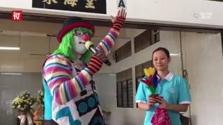 Download Penang shooting victim gets clown send-off Video