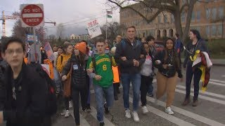 Download Students around Washington to walk out to protest gun violence Video