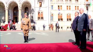 Download PM Netanyahu and Mrs Netanyahu arrive at the Hungarian Parliament in Budapest Video