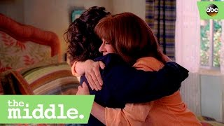 Download Frankie Teaches Axl the Secret to Adulthood - The Middle 8x20 Video